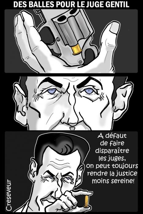 Sarkozy envoie des balles .JPG