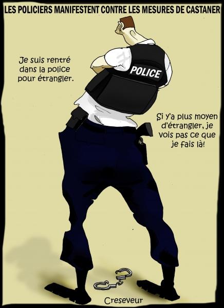 Les policiers tombent les menottes.JPG